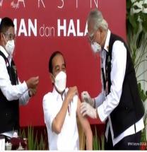 조코위 대통령 中시노백 백신 접종 생중계