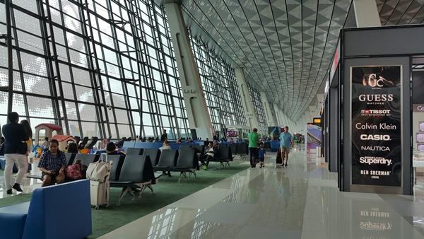 11일 수까르노하따 국제공항.jpg