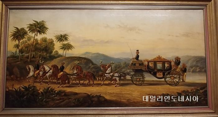 네덜란드 식민지 시대 술탄의 마차. 네덜란드 암스테르담 열대박물관 소장 2019. 06.jpg