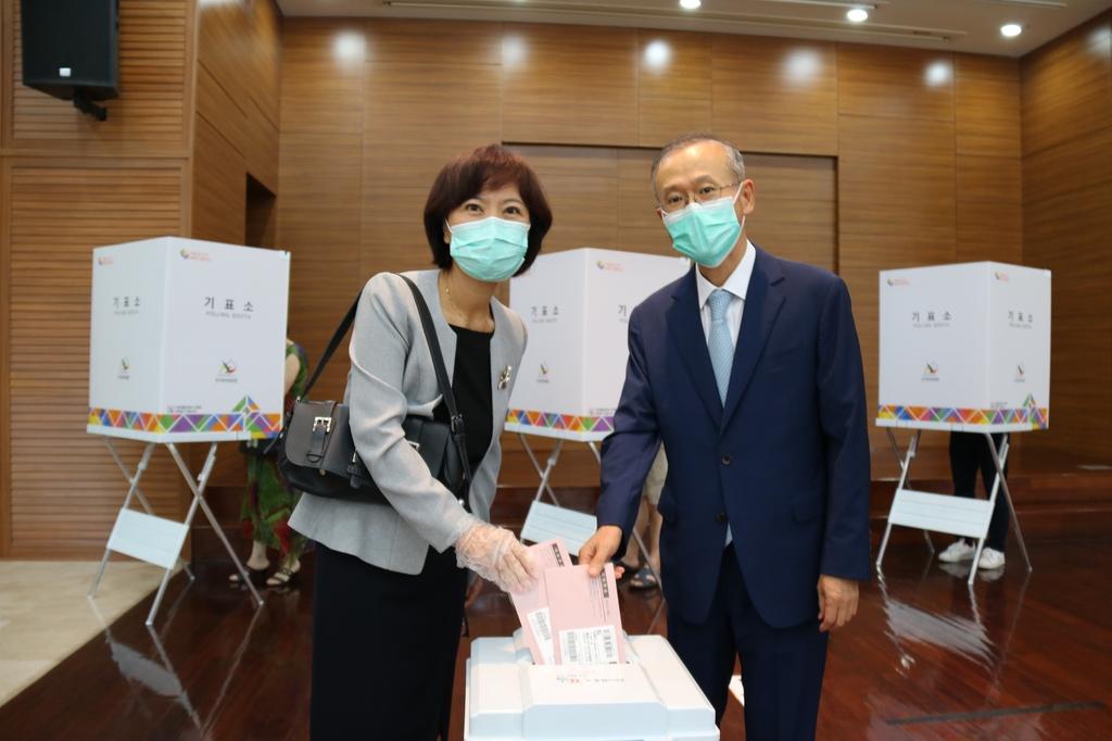 4일 재외선거_임성남 주 아세안 대사.jpg